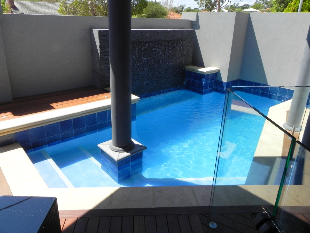 Backyard Landscaping Ideas-Swimming Pool Design - Homesthetics ...