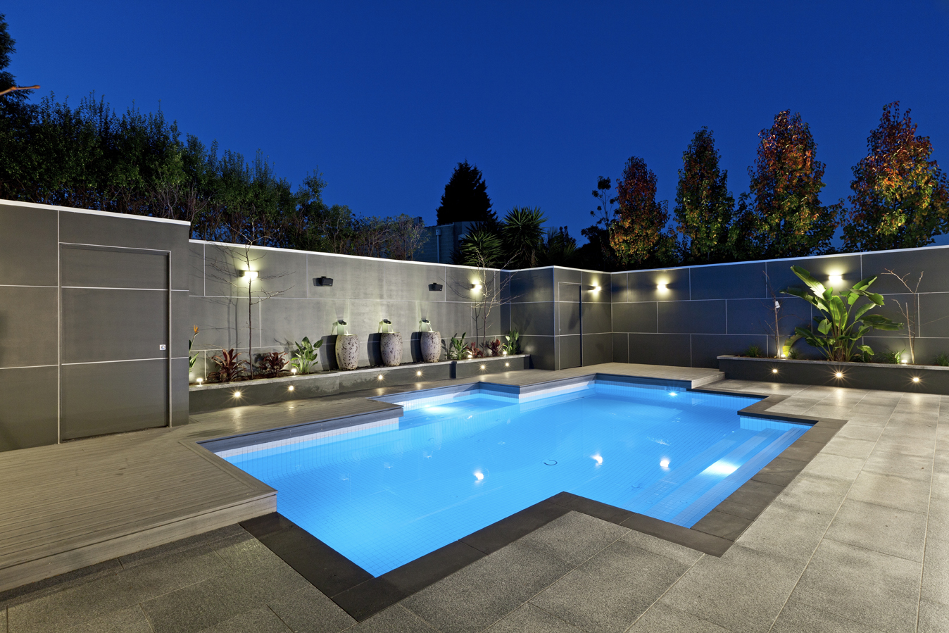 Backyard landscaping ideas swimming pool design for Pool garden design pictures