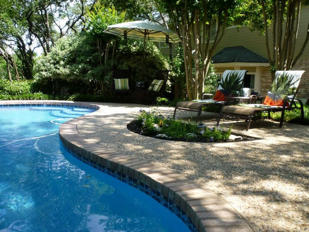 Backyard landscaping ideas swimming pool design for Pool and landscape design