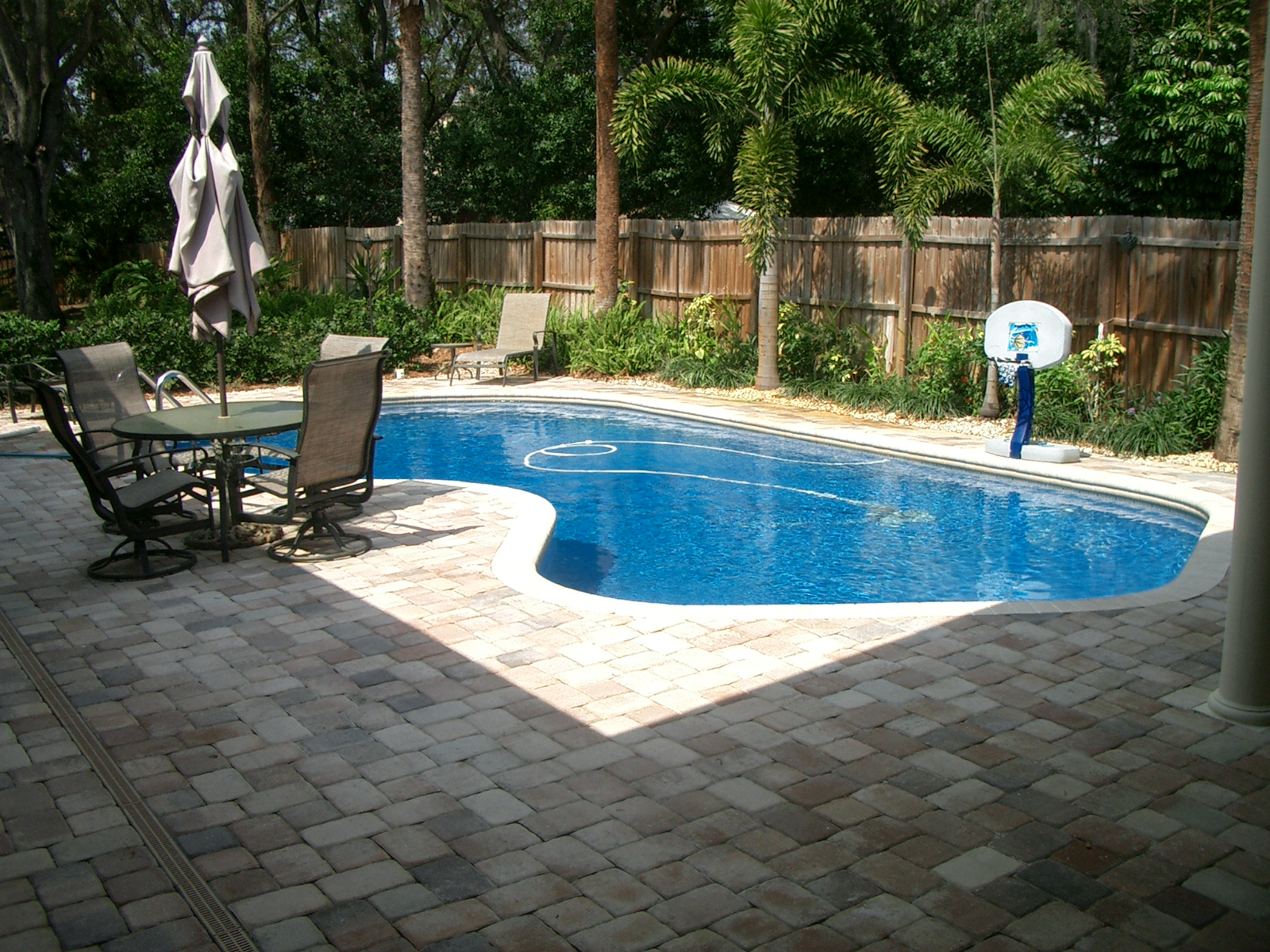 Awesome Pools Backyard Design Backyard Landscaping Ideasswimming Pool Design  Homesthetics .