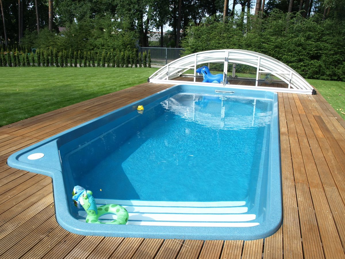 Backyard landscaping ideas swimming pool design for Cheap inground pools