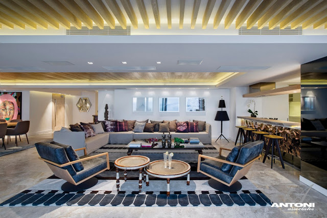 Clifton View Mansion By Antoni Associates Overlooking Cape Town – South Africa: Contemporary Display of Luxurious Interior Design  discussion lounge