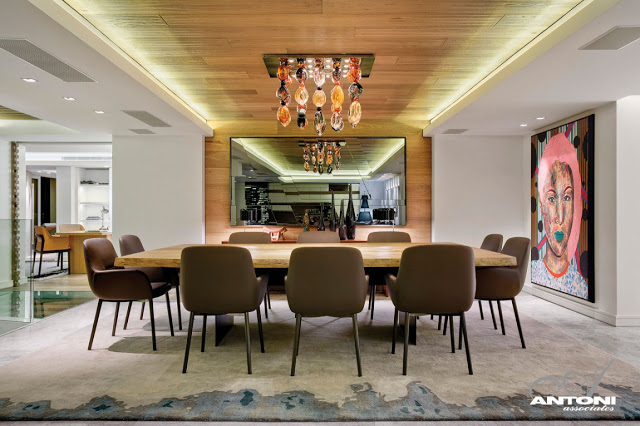 Clifton View Mansion By Antoni Associates Overlooking Cape Town – South Africa: Contemporary Display of Luxurious Interior Design  dinning zone