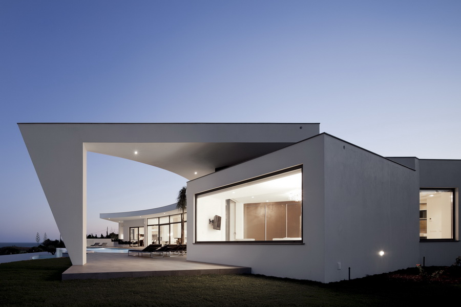 amazing Colunata House by Mario Martins in Lagos, Algarve, Portugal, Great Example of a Modern Mansion (4)