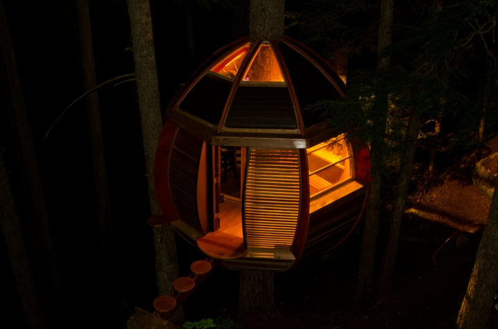 Experimental Living In The Forests of Canda-The HemLoft by Joel Allen alternative from modern mansions (1)at night