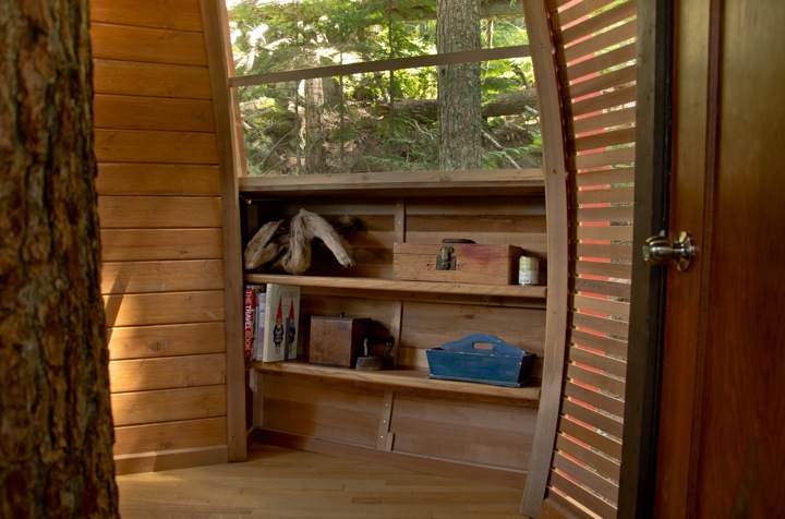 storage in Experimental Living In The Forests of Canda-The HemLoft by Joel Allen alternative from modern mansions (1)
