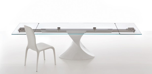 detail shot with chair Extendible Glass Table by Tonin CASA Homesthetics SHANGHAI (1)