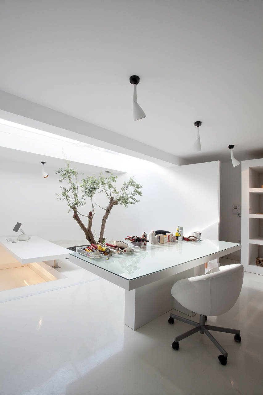 H.2 Residence by 314 Architecture Studio in Athens stark white room