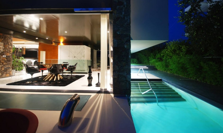 H.2 Residence by 314 Architecture Studio in Athens infinity pool design