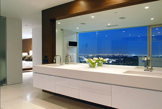 Homesthetics-Matthew Perry Bachelor Pad contemporary bathroom