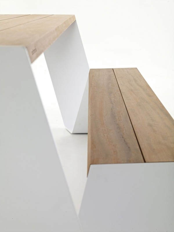 detail shot of Innovative Contemporary Outdoor Design The Hopper Table and Seat by Extremis homesthetics (1)