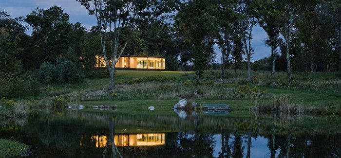 cliff view mansion LM Guest House by Desai Chia Architecture in New York-Contemporary Farnsworth Copy (21)