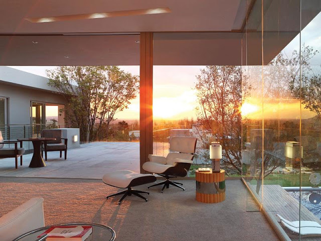 Paradise Found Hyde Park- Luxurious Contemporary Mansion by Summersun Property Group beautiful sunset glass walls