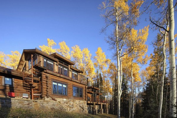 facade view Moody-Cabin-mouintain retreat in luxurious chalet modern mansion alternativejpg (14)