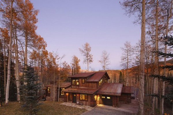 amazing perspective view of the Moody-Cabin-mouintain retreat in luxurious chalet modern mansion alternativejpg (14)