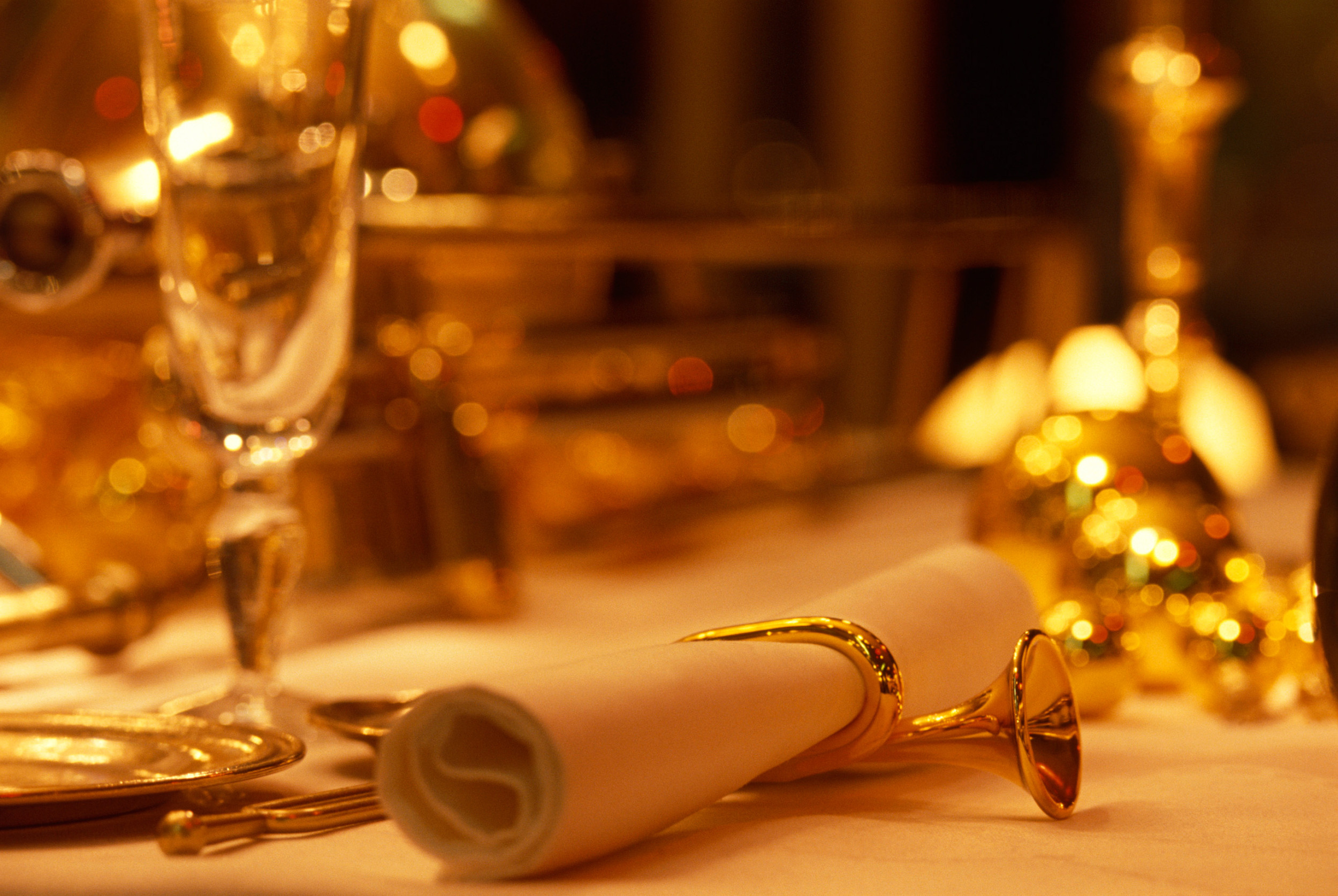 detail shot of a beautiful dinner Prepare Your Homes for a Memorable Experience-Festive Entertaining ideas on homesthetics ideal for modern mansions (1)