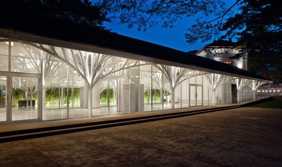 The Tote Hall by Serie Architects Chriss Lee & Kapil Gupta/The Expression of a Contemporary Design night