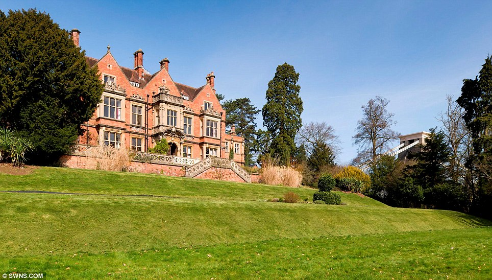Spectacular Historic Mansion Overlooking Clifton Suspension Bridge expression of wealth and decadence of the rich situated in a beautiful region  facade imposing mansion dream home castle