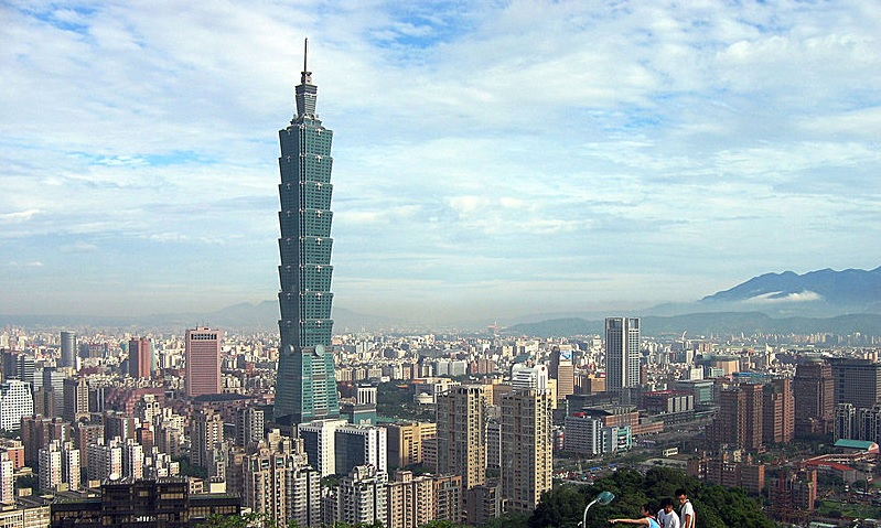 Taipei 101 Tower in Taiwan by C.Y. Lee & Partners ...