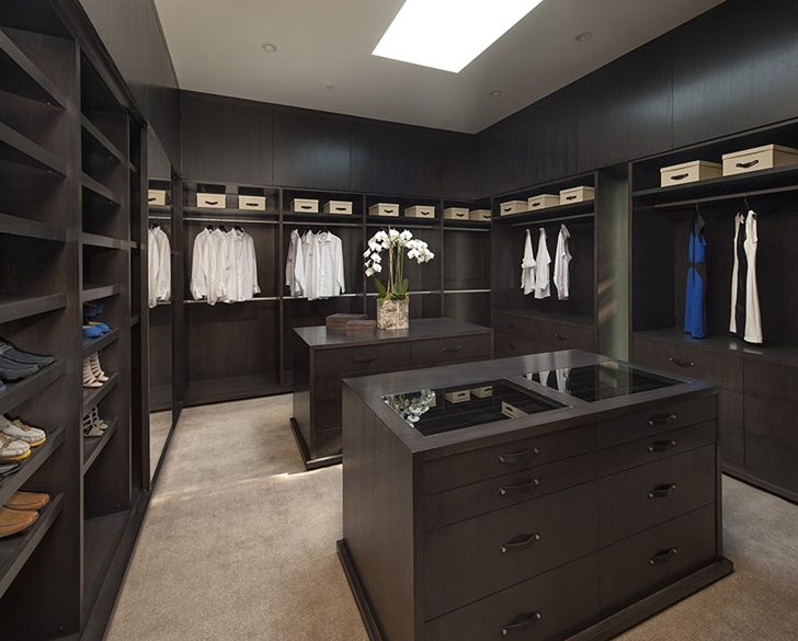 The Expression of a Modern Mansion by Hagy Belzberg Homesthetics dressing room