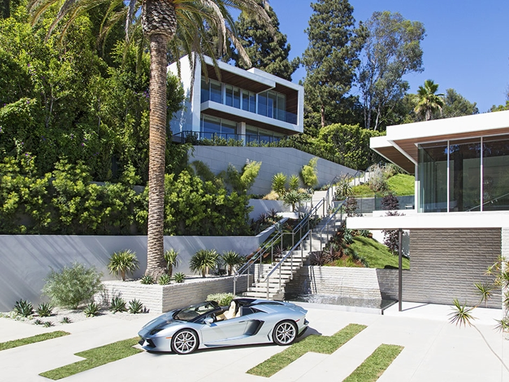 The Expression of a Modern Mansion by Hagy Belzberg Homesthetics