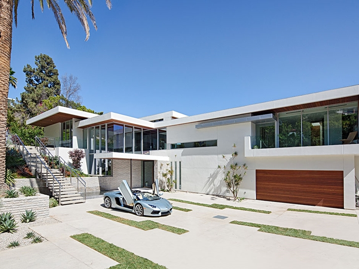 The Expression of a Modern Mansion by Hagy Belzberg Homesthetics parkingway