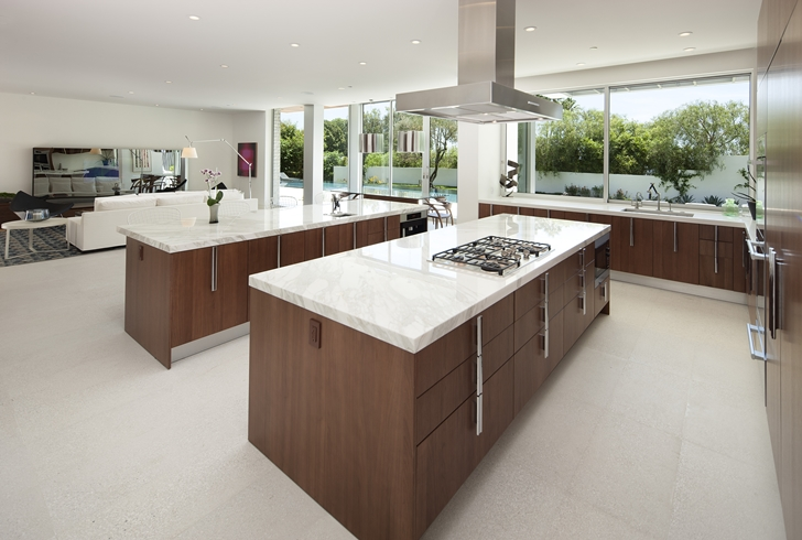 The Expression of a Modern Mansion by Hagy Belzberg Homesthetics luxurious kitchen