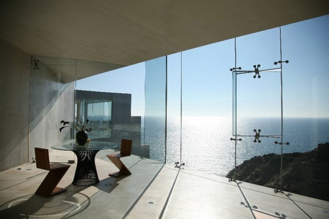 The Razor Residence by Wallace E. Cunningham: Display of Contemporary Interior Design in a Modern Mansion Modern design