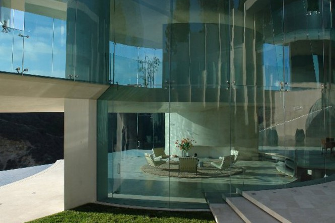The Razor Residence by Wallace E. Cunningham: Display of Contemporary Interior Design in a Modern Mansion glass wall contemporary interior design modern decor
