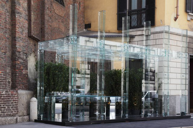 The Santambrogio Milano Glass Houses Living Without Boundaries model