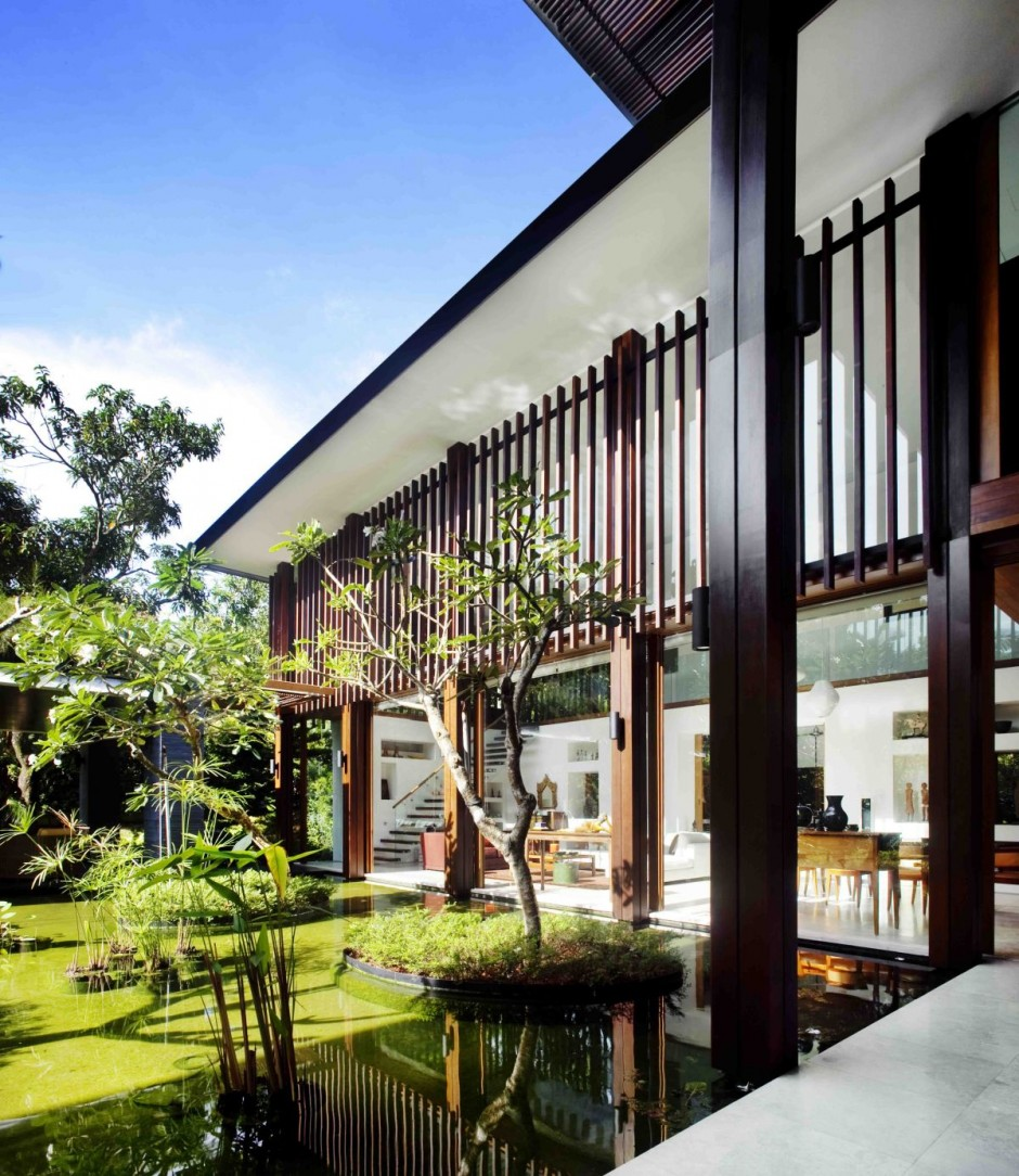 The Sun House by Guz Architects: A Hevean of Green in Singapore Displayed  in a Modern Mansion