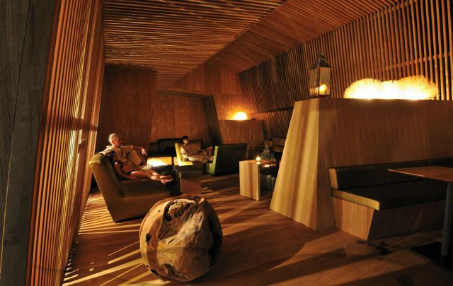 Thermalbad Zürich-Transforming a Brewery Into a Spa luxurious pub