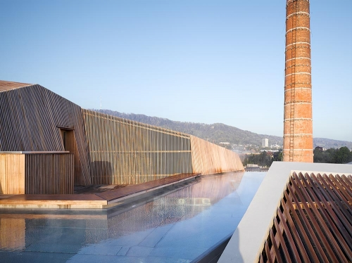 Thermalbad Zürich-Transforming a Brewery Into a Spa roof view