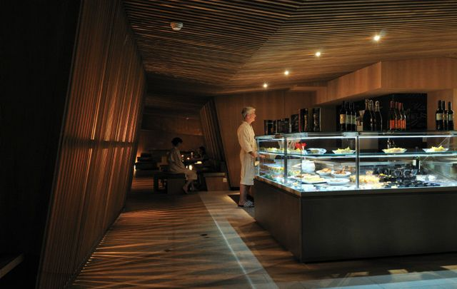 Thermalbad Zürich-Transforming a Brewery Into a Spa restaurant