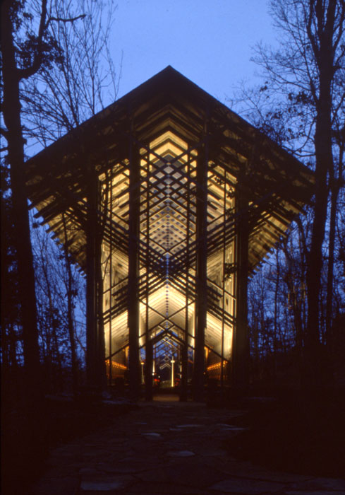 Thorncrown Chapel by E. Fay Jones night view perfect ilumination unusual shape and size perfect integration modern concept design