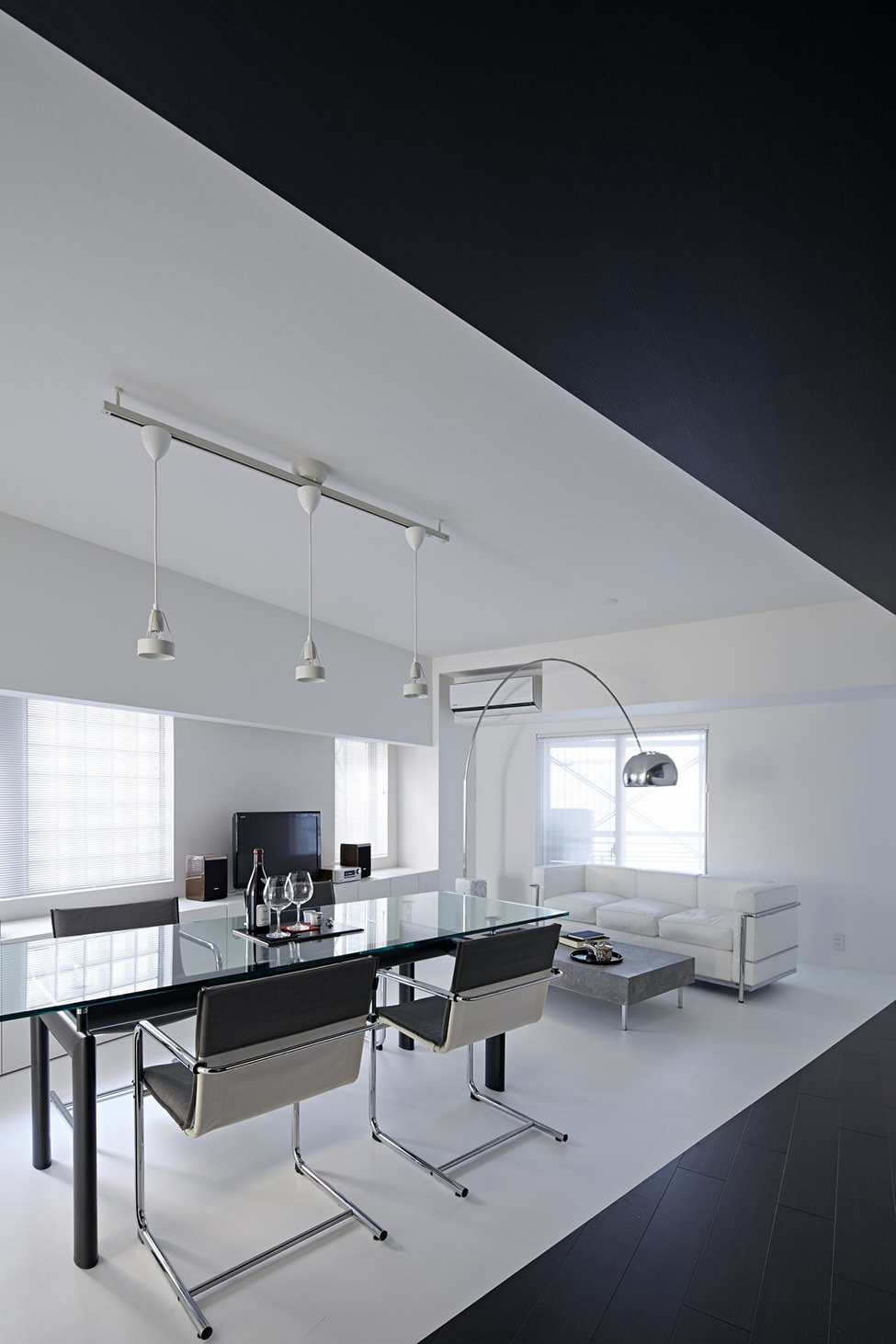 black and white apartment design in tokyo contemporary interior design
