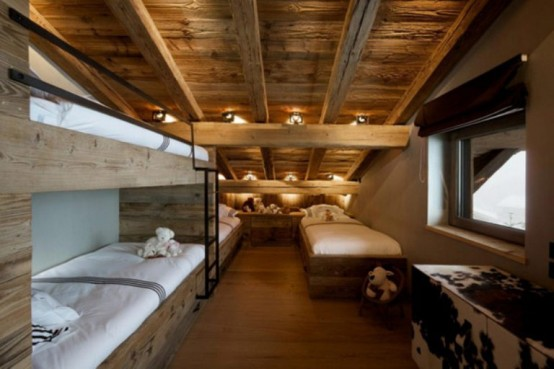small bedroom design cabin in the woods mouintain retreat homesthetics luxurious-chalet-of-natural-wood-in-the-french-alps-1-554x369 (1)