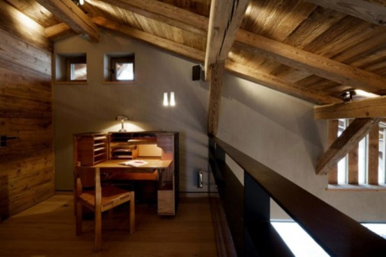 small desk area cabin in the woods mouintain retreat homesthetics luxurious-chalet-of-natural-wood-in-the-french-alps-1-554x369 (1)