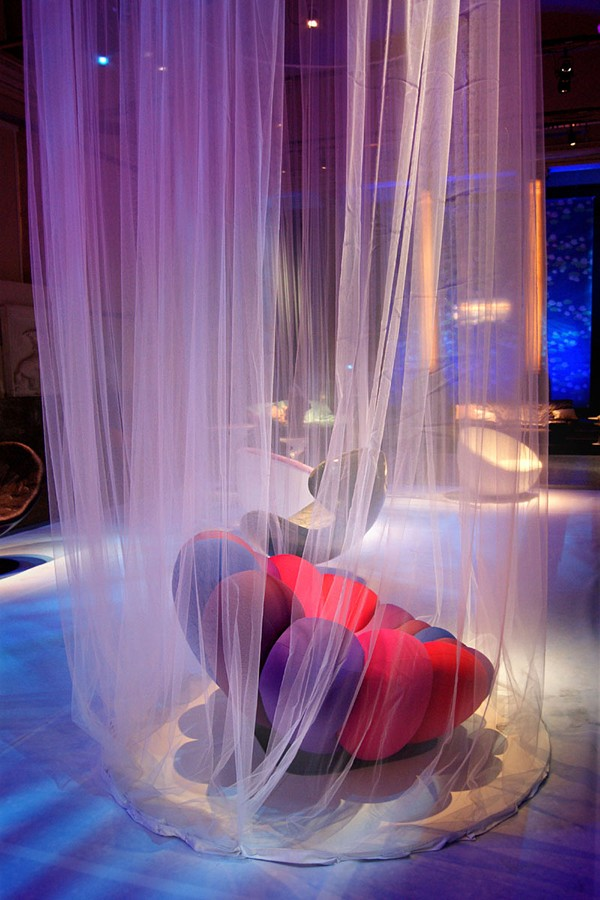 colorful chair luxurious interior design homesthetics (4)