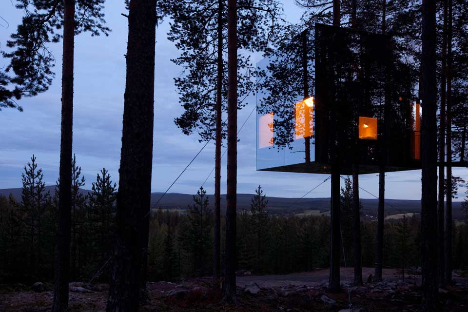 The Mirrorcube Hotel by Tham & Videgård Arkitekter nightime panorama