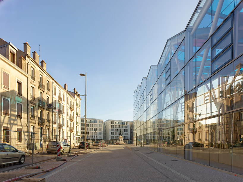 street view modern ARTEM Gallery and Cosmopolitan Promenade realized by ANMA homesthetics (2)