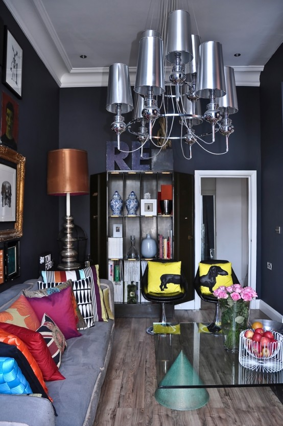 pop-art-and-art-deco-london-apartment-4-554x834 black and white living room design with colorful acents in