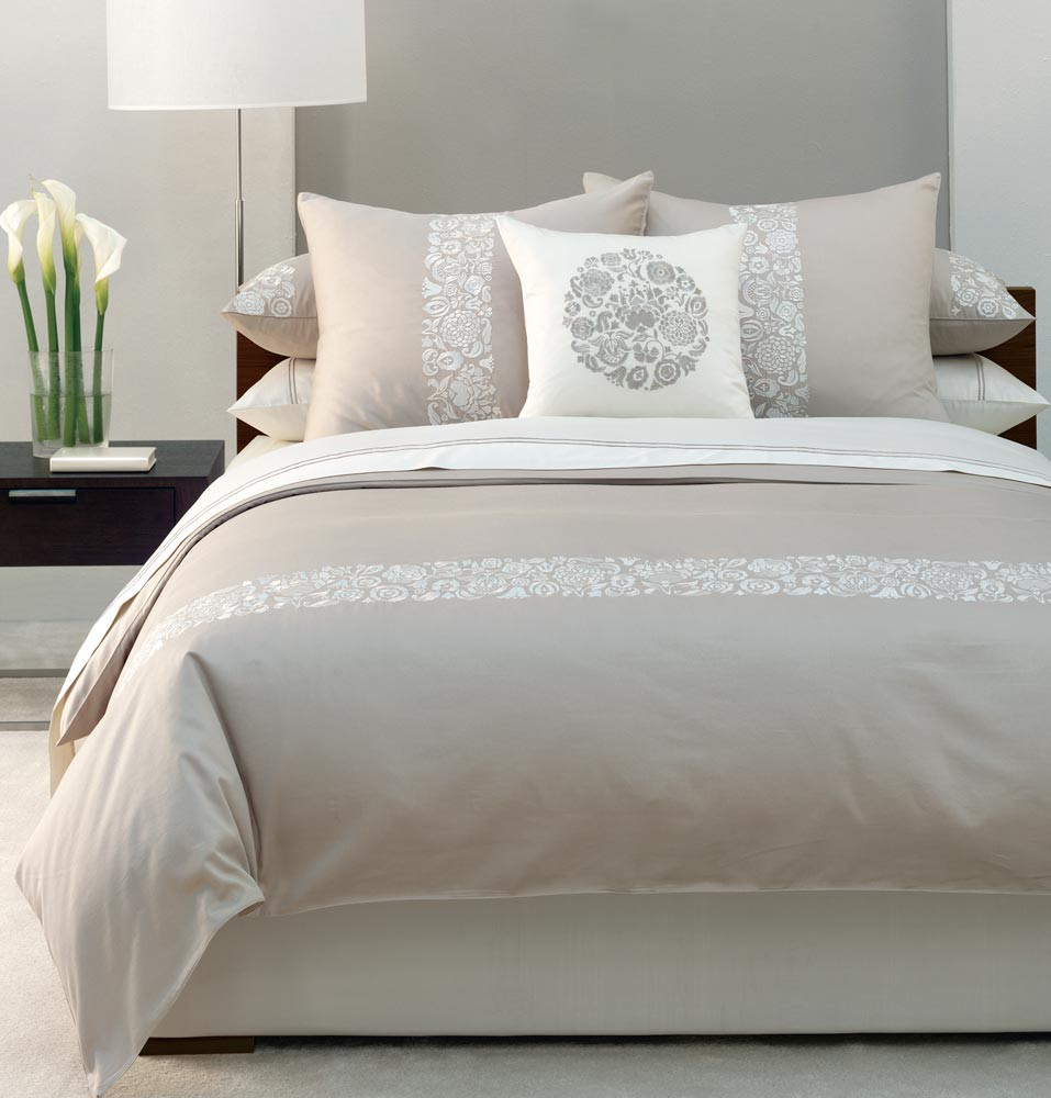 10 Tips on Small Bedroom Interior Design clean cozy atmosphere white interior design bedroom
