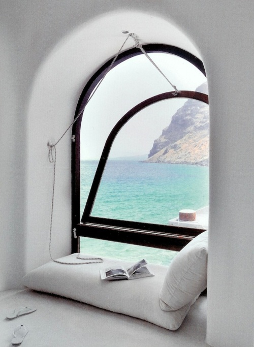 the best reading knock in the world with the most amazing view 53 Excellent Unusual Interior Designs Meant to Feed Your Imagination  modern mansion wierd interior designs homesthetics (25)