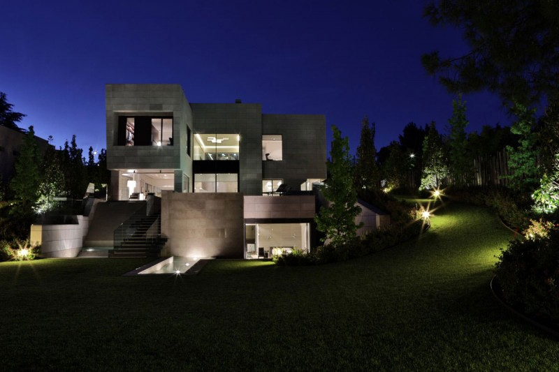 A Modern Mansion In Madrid The Memory House by A Cero Architects Homesthetics