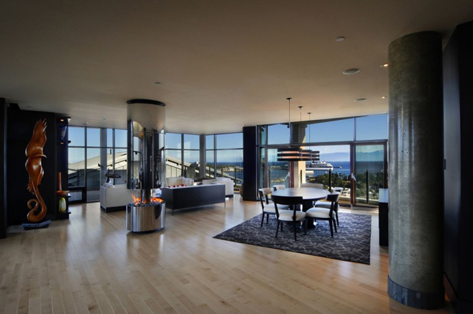 spacious living room Austonishing Penthouse Apartment with 360-degree Views Over Victoria, Canada modern mansion (23)