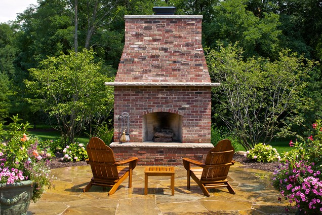 Backyard-Lanscaping-Ideas-Fireplaces-homesthetics