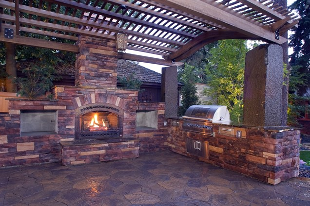 traditional brick fireplace Backyard-Lanscaping-Ideas-Fireplaces-homesthetics