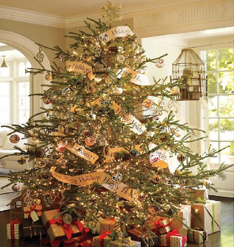Beautiful Christmas Trees to Cheer Your Holidays golden accents