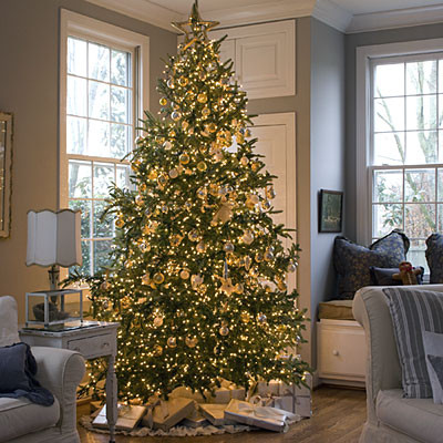 Beautiful Christmas Trees to Cheer Your Holidays yellow accents